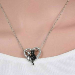 Cat Heart Claw Pendant Necklace  NWT